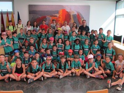 Alumnes de l'Escola Paidos visiten l'Ajuntament de Sant Fruitós de Bages