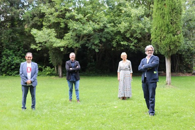 D'esquerra a dreta Joan Carles Batanés, alcalde de Sant Fruitós de Bages, Xavier Racero, regidor de cultura, Mireia Pintó, Presidenta del Festival i Ferran González, Gerent de Món Sant Benet