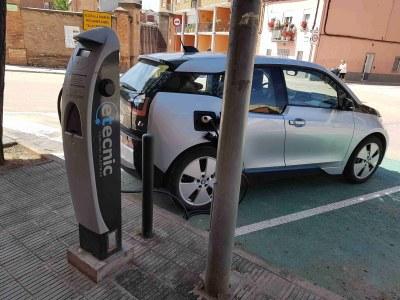 Instal·lat el segon punt múltiple de recàrrega de vehicles elèctrics al municipi