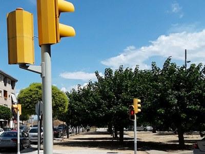 L'Ajuntament de Sant Fruitós de Bages ha realitzat treballs de pintura en els semàfors de la carretera de Vic.