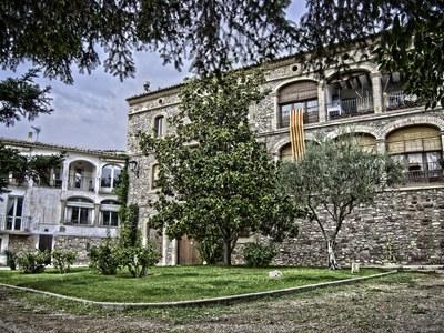 L'edifici de Cal Casajoana és declarat  Bé Cultural d'Interès Local
