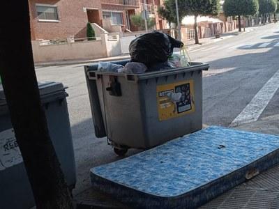 L'Ajuntament de Sant Fruitós de Bages sanciona els abocaments incívics a la via pública