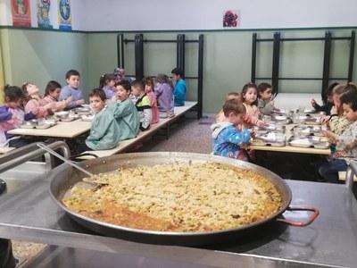 Més de 350 alumnes del municipi han gaudit de l'arròs a les escoles en el marc de la Festa de l'Arròs