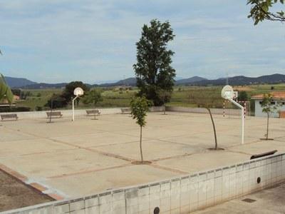 Sant Fruitós de Bages remodelarà la plaça on hi ha ubicat el local municipal de Pineda de Bages i li posarà nom