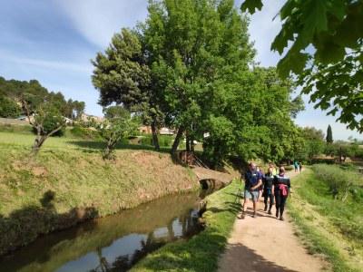 """Una cinquantena de persones descobreixen la importància de l'aigua a Sant Fruitós de Bages amb les caminades """"Aigua i memòria"""""""